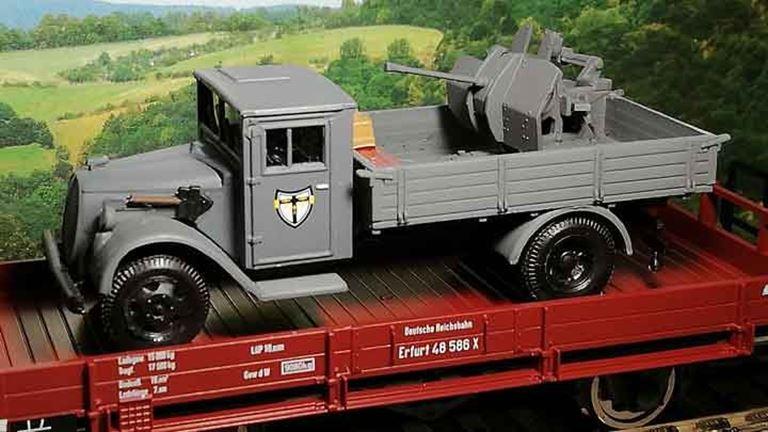 RUSAM-FORD-G917T-10-905 Автомобиль G917T «JG27» с 37-мм орудием, 1:87, 1939—1945, Wehrmacht