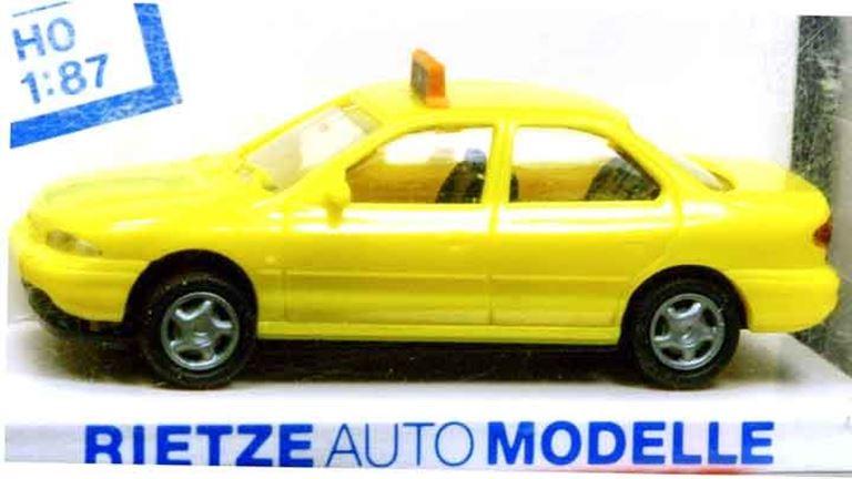 RIETZE 30572 Автомобиль Ford® Mondeo «Taxi», 1:87, CH