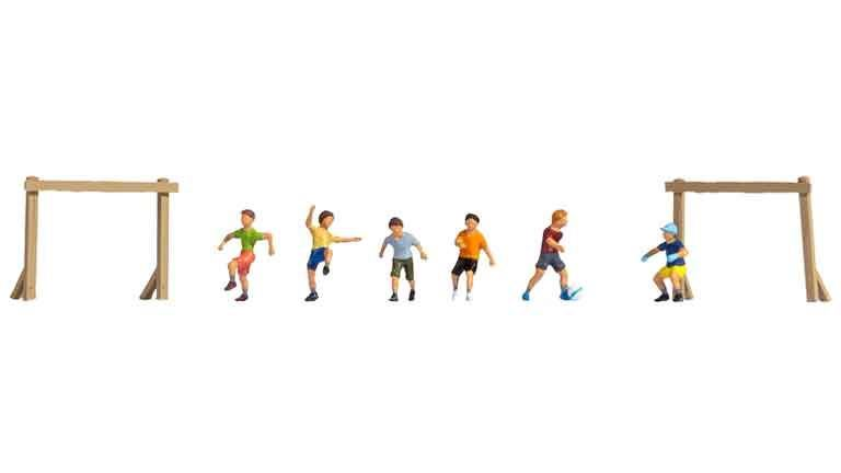 NOCH 15817 «Дети играют в футбол» (набор фигурок), 1:87